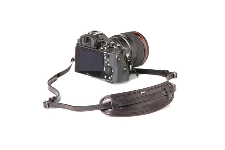 LEATHER CAMERA NECKSTRAP MOUSTACHE