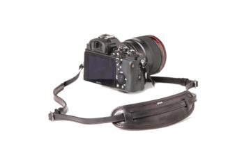 LEATHER CAMERA NECKSTRAP MOUSTACHE in Pelle nera