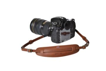 LEATHER CAMERA NECKSTRAP MOUSTACHE in Dark brown leather