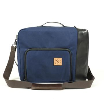 CONVERTIBLE BAG UNDERCUT in canvas blu e pelle nera